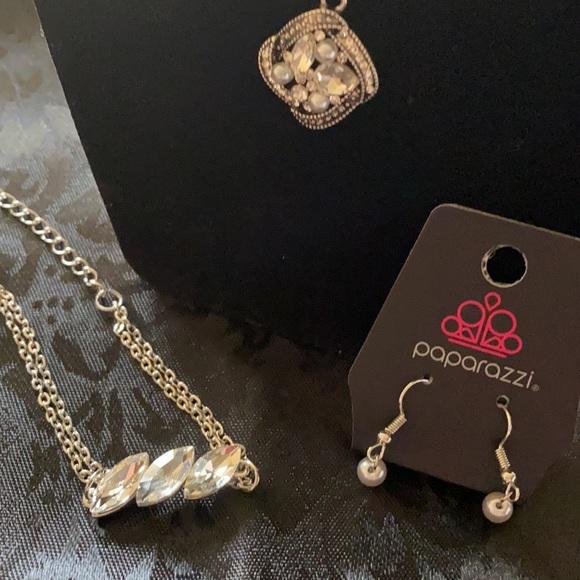Paparazzi Necklace &Earrings &matching Bracelet